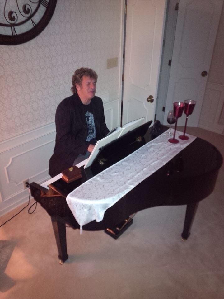 Mick Dalla-Vee at the Piano